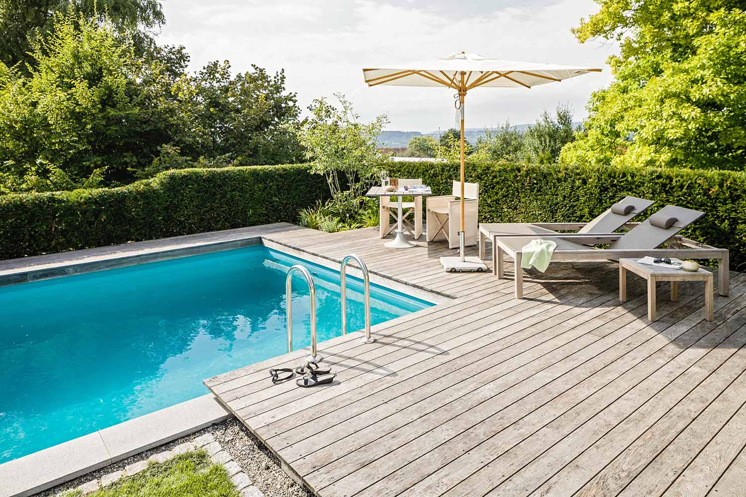 garten mit pool gestalten garten gestalten mit pool baum garten photo sch ne g rten mit pool. Black Bedroom Furniture Sets. Home Design Ideas